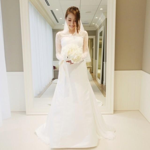 セレブ 結婚式 お姫様 キレイ 可愛いで使えるホワイト ウェディングドレスのファッションアイテム