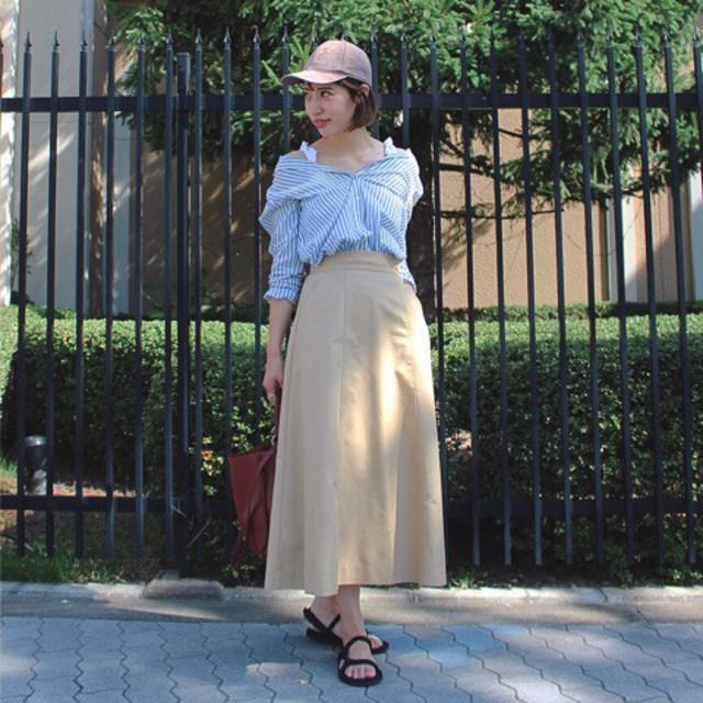 大人っぽいロング丈のフレアスカートで、異テイストMIXなコーディネート