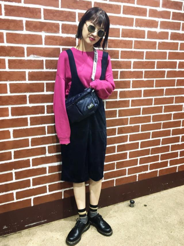 ピンクはブラックと合わせて着る