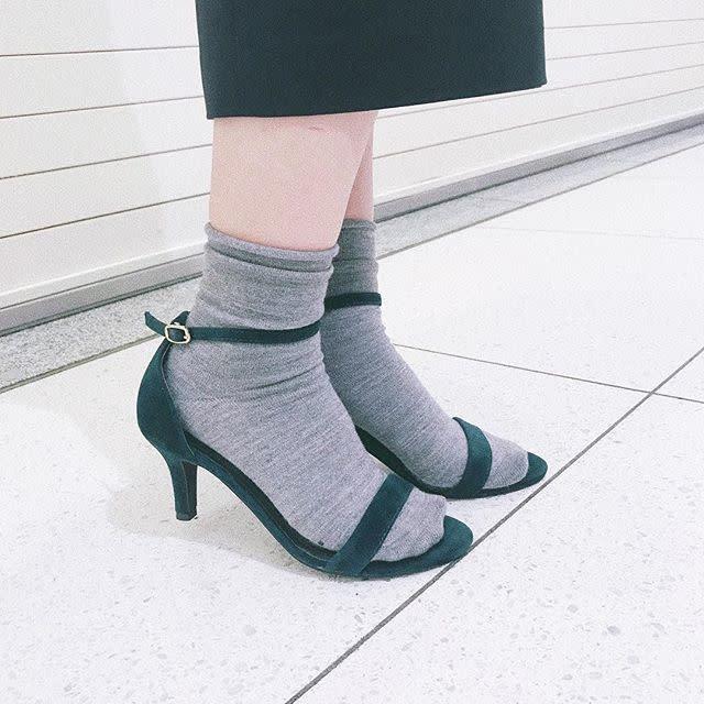 この春注目! くしゅくしゅ靴下でゆる可愛い足元コーデ♥