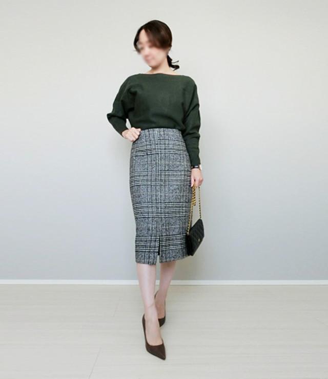 着回し力の高いベーシックなグレンチェック柄のタイトスカート