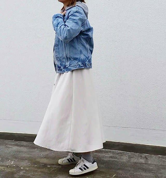 ママ友ランチに♡ はずさない白スカート