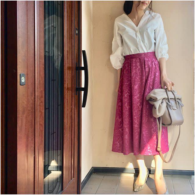 春デートに♡ カラースカート合わせの華やかスキッパーコーデ