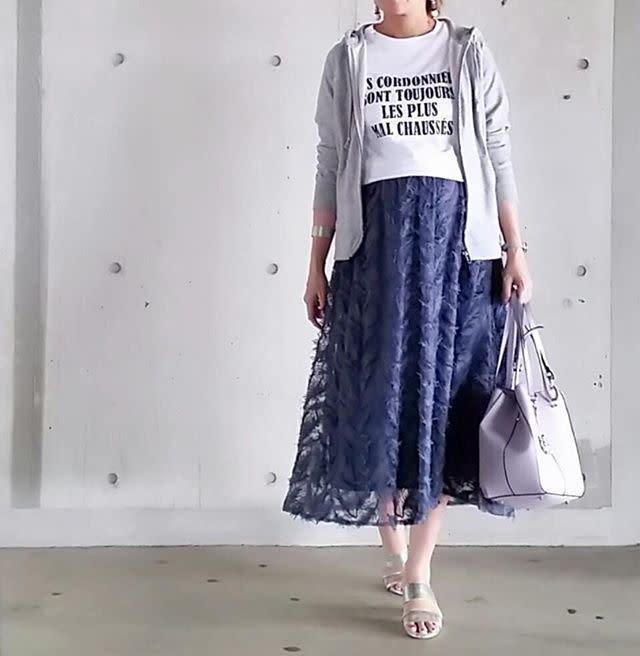 ふんわりフェミニンなスカートとコーデ