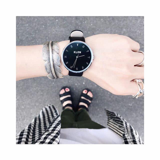 best sneakers fc13e 5c011 モード クール ユニセックスで使えるブラック 腕時計 KLON ...