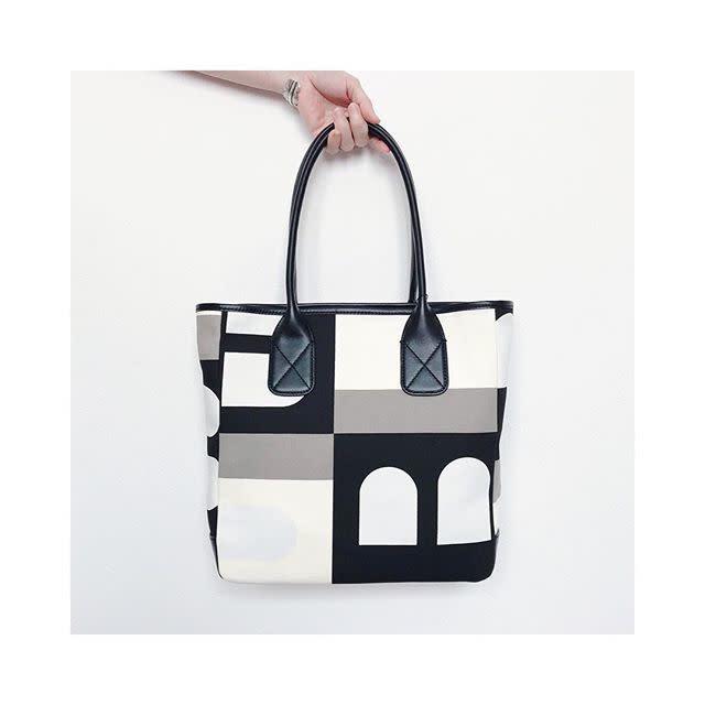 BALLY(バリー)の幾何学柄バッグがファッショニスタに人気!