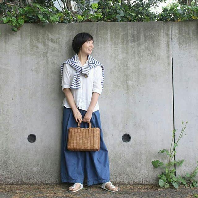 【ワイドパンツで作る遊園地の服装/03】爽やかな配色で季節感のある着こなしに