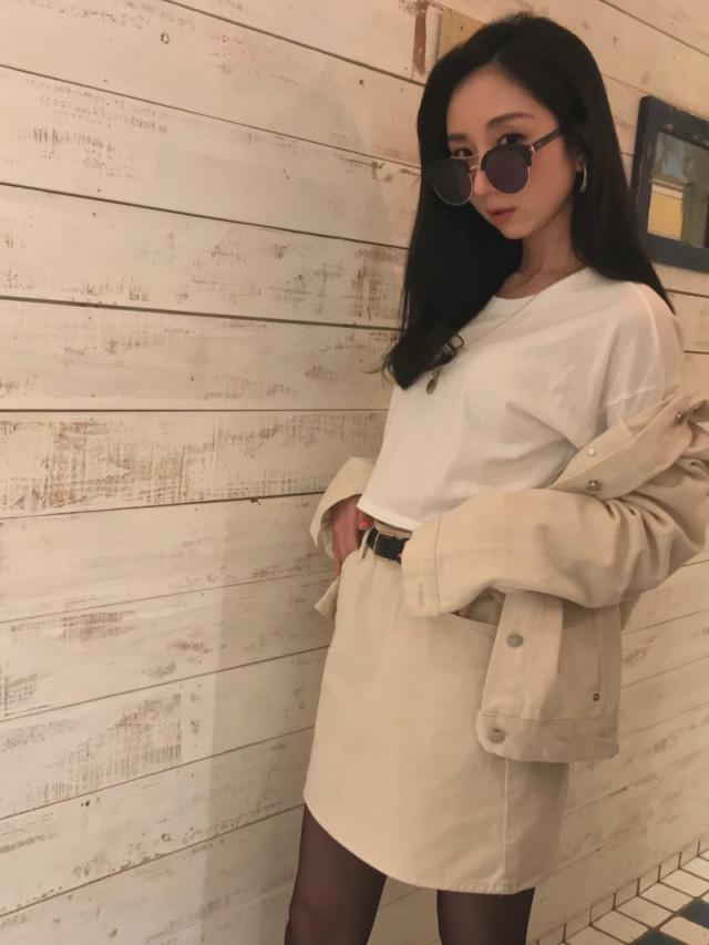 春コーデにぴったりの白デニムジャケット