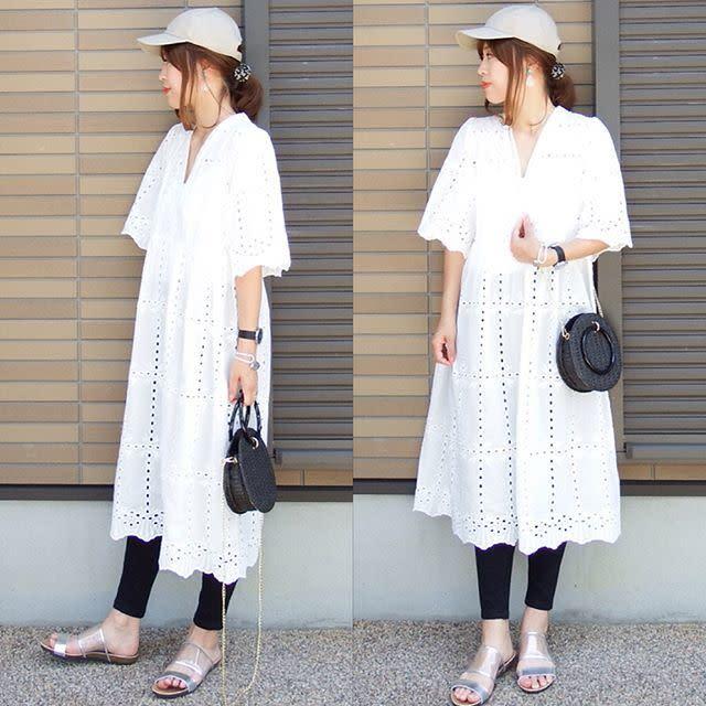 爽やかなホワイトワンピースはブラックで引き締めてバランス良く着こなす♥