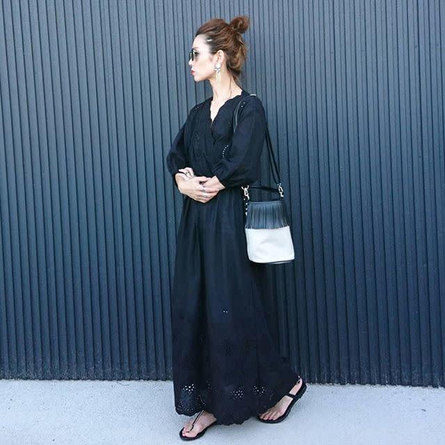 オールブラックを着こなす時のポイントは素材感