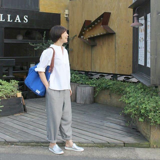 【ショートカット#CBKモデルに学ぶオフィス向けの服装/04】洗練されたシューズで大人っぽく