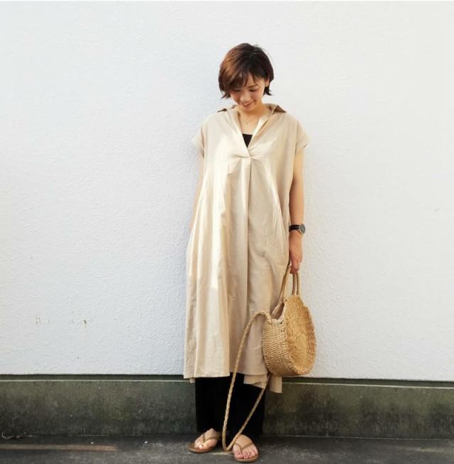 【ショートカットさん向け・ワンピースの着こなし術/01】落ち着き感のあるベージュカラー