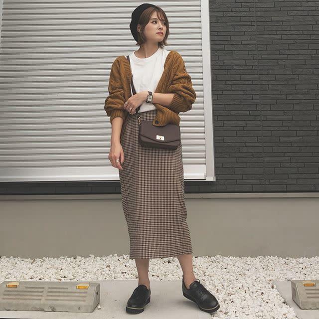 ボリュームトップスと相性バツグンな旬柄・ガンクラブチェックのタイトスカート