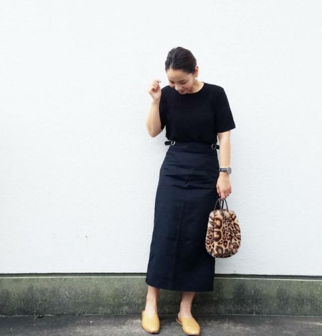 美シルエットのタイトスカートで大人っぽく