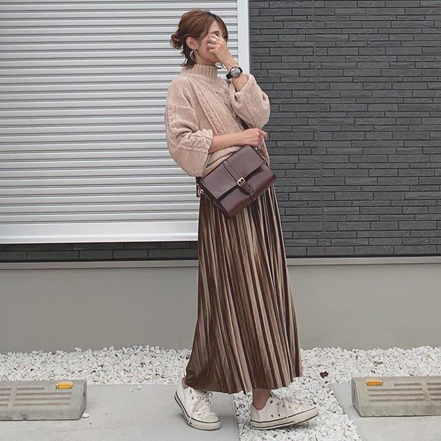 揺れてトキめくプリーツスカートは、グラデーションで魅せる