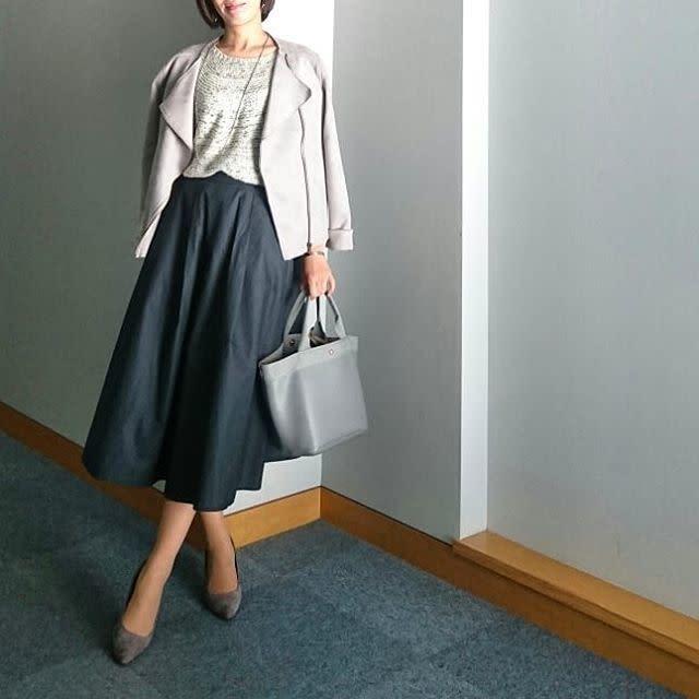 きちんと見えなら、やっぱりきれいめなミディスカート!