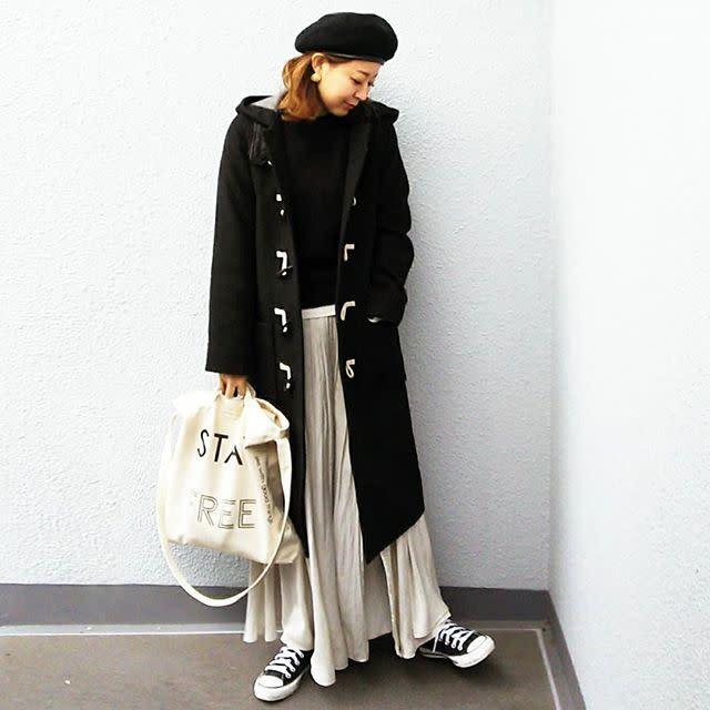 ロングプリーツスカートは、縦長のラインとフェミニンなフレア感がポイント♡