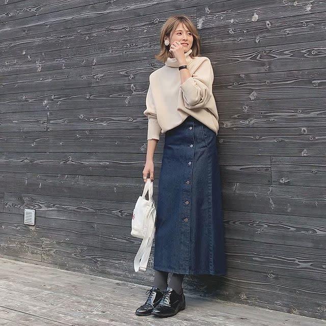 デザイン豊富! GU(ジーユー)のスカートで作るカジュアルなデートコーデ