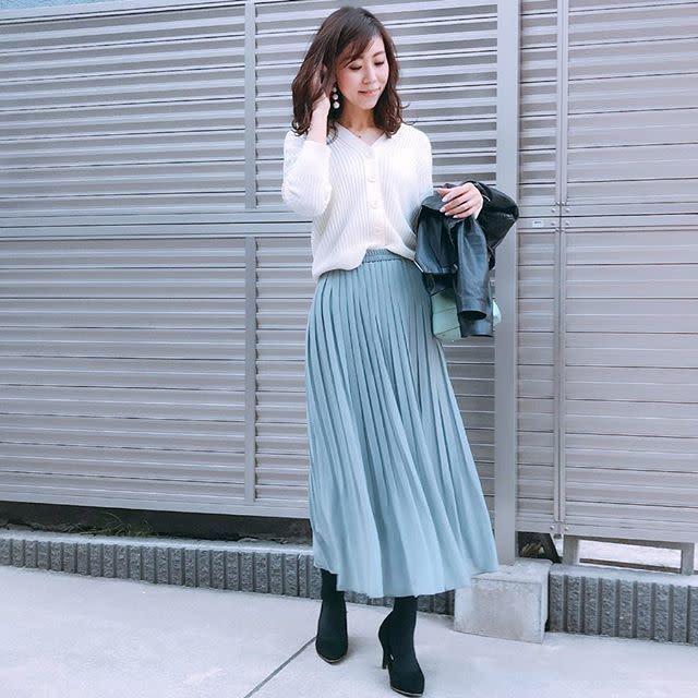 華が欲しい日にぴったり♡ ミントグリーンのプリーツスカートで大人フェミニンコーデ