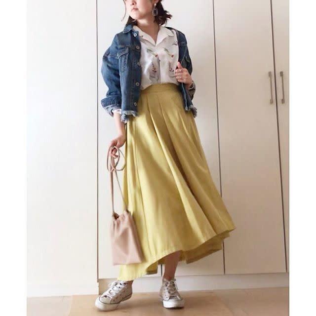 春色のふんわりスカートとも相性バツグン