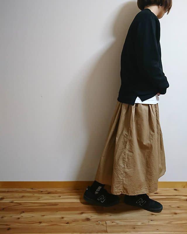 おしゃれに体型カバーできるボリュームスカート