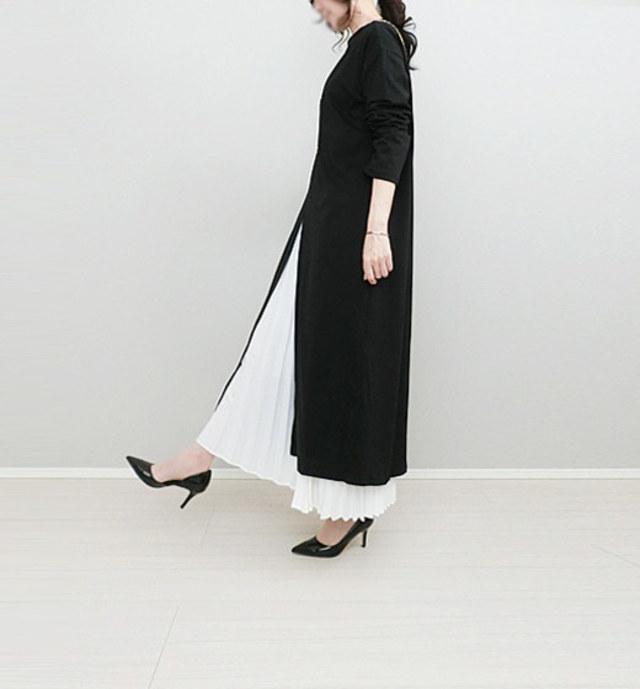きれいめなプリーツスカートでおしゃれに重ね着コーデ
