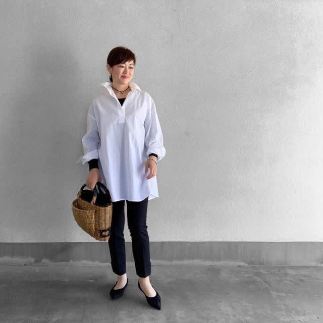 【40代50代の通勤コーデ: 2】着回しやすいシンプルなホワイトシャツ