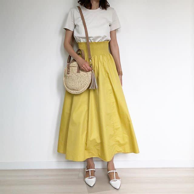 【トップスイン/04】ウエスト部分のデザインに個性を作るスカート選び