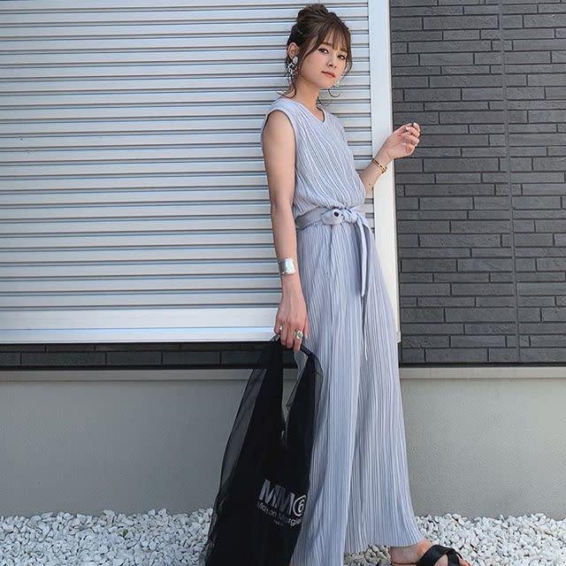 【大人女子のデート向けバッグ/02】トレンドライクなマルシェバッグ