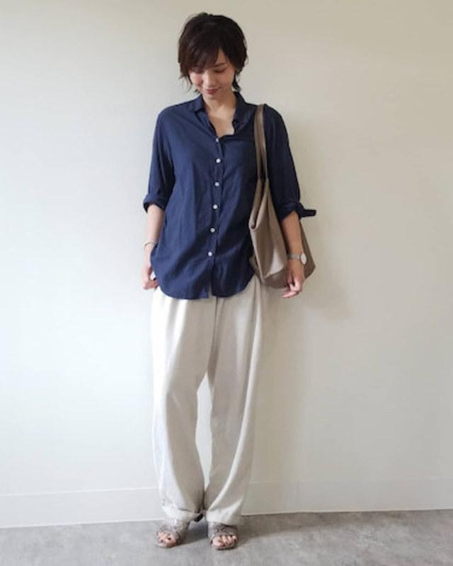 【美人コーデのポイント: 2】メンズライクシャツをクールに着こなす