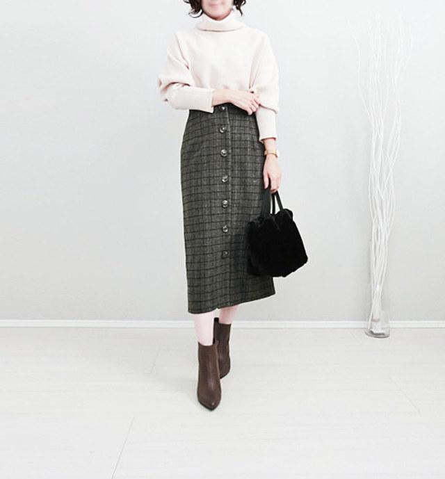 【40代女性の服装×オフィスカジュアル】社内にも馴染むチェック柄で差をつけて