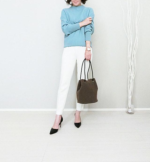 【40代ママの参観日の服装×フォーマル】きれい色ニットでワンランク上の着こなしに
