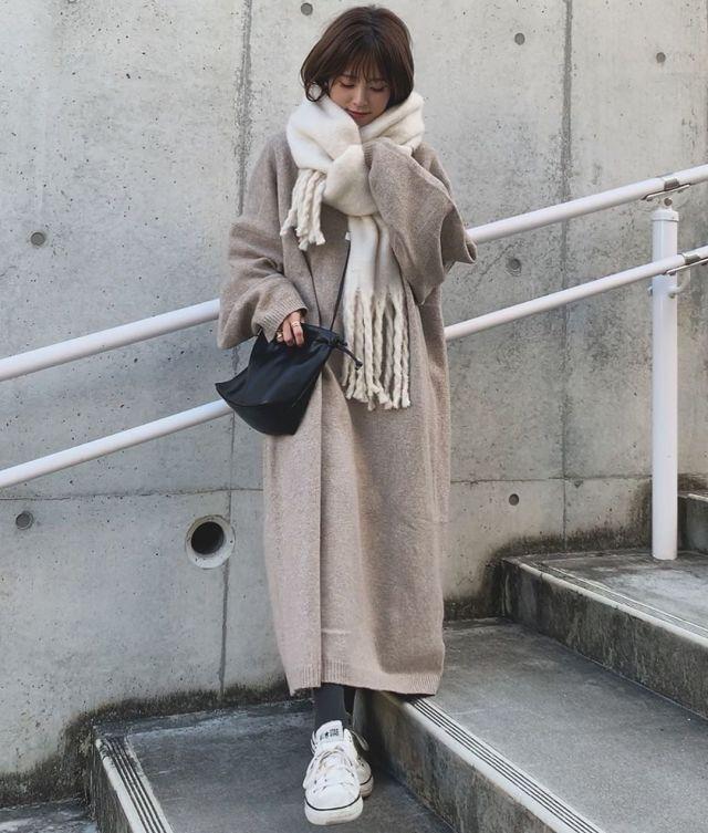 2020年1月のレディースファッショントレンド/03【大判フリンジストール】