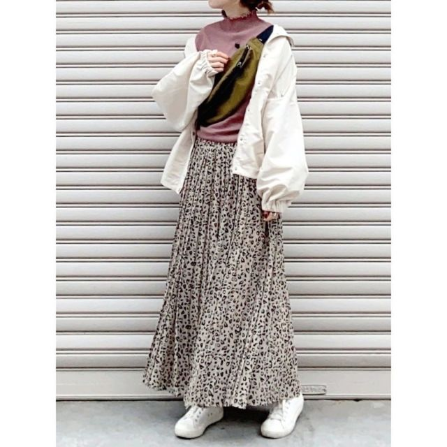 【攻略法4】柄ロングスカートは「ウエストマーク」のひと手間で体型カバー