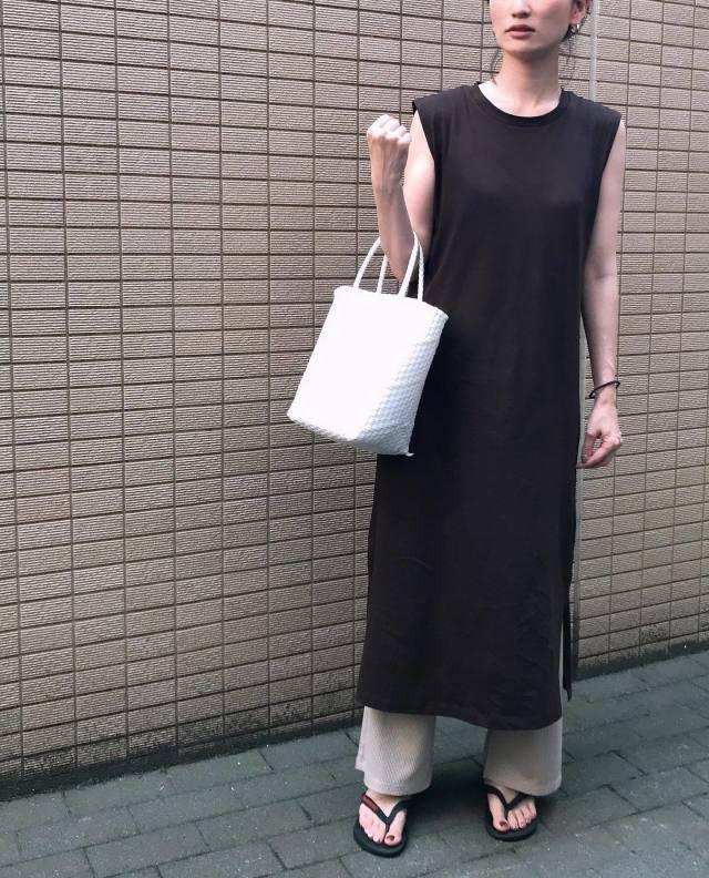 【1】トップス → 着丈の長いワンピースへチェンジ♡