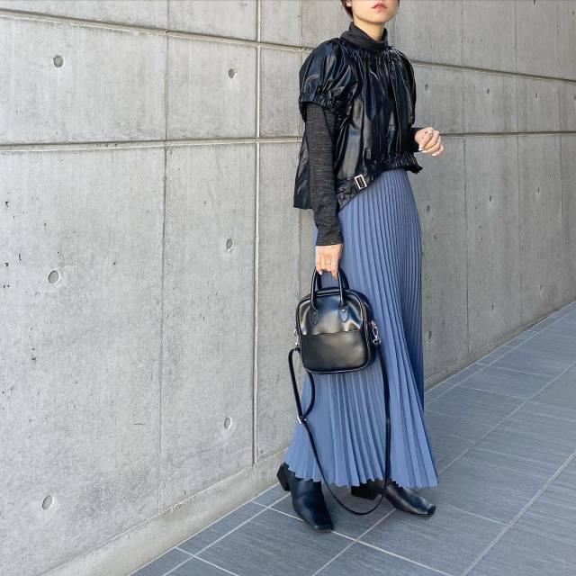 【4】「ブルーのロングプリーツスカート」で色を楽しむ♡