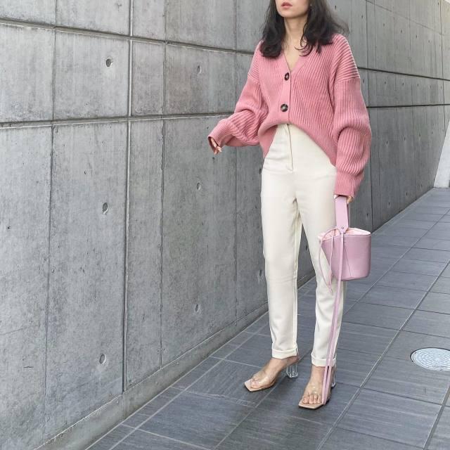 「カジュアルシルエット」×「ピンク」でライトフェミニンに