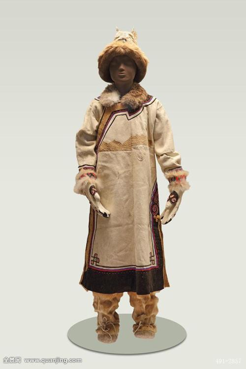 中国のオロチョン民族衣装