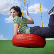 News_Sarah Silverman_tire_swing