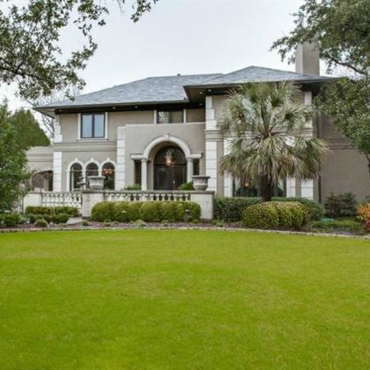 Owners Went A Little Overboard In For-sale Preston Hollow