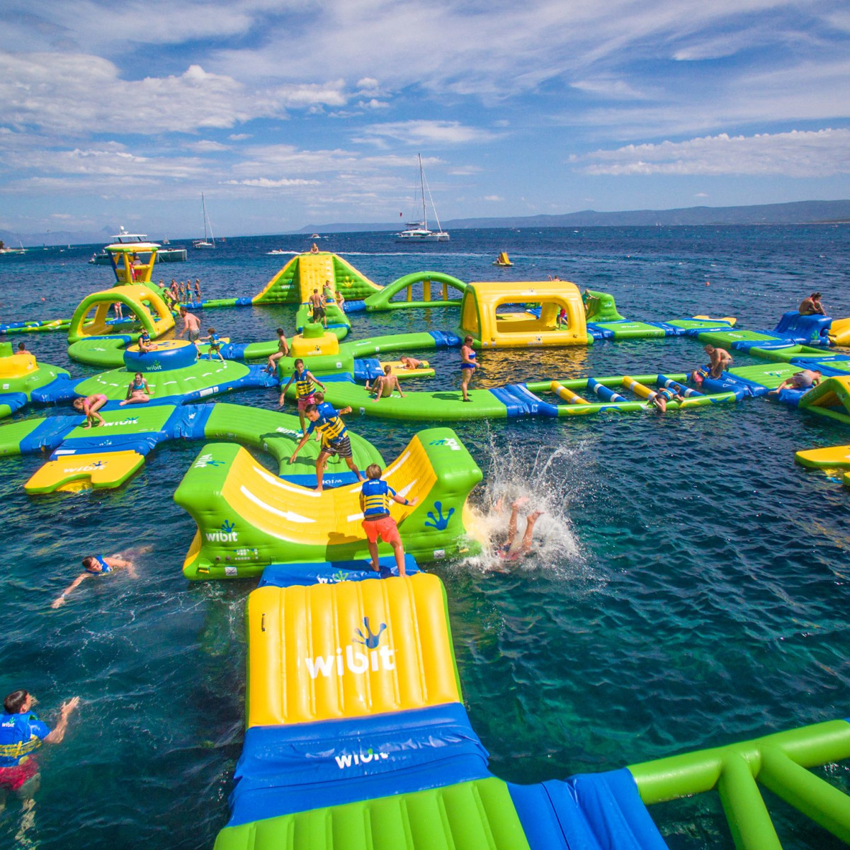 8 Best Houston Area Water Parks Opening Now For Splashy