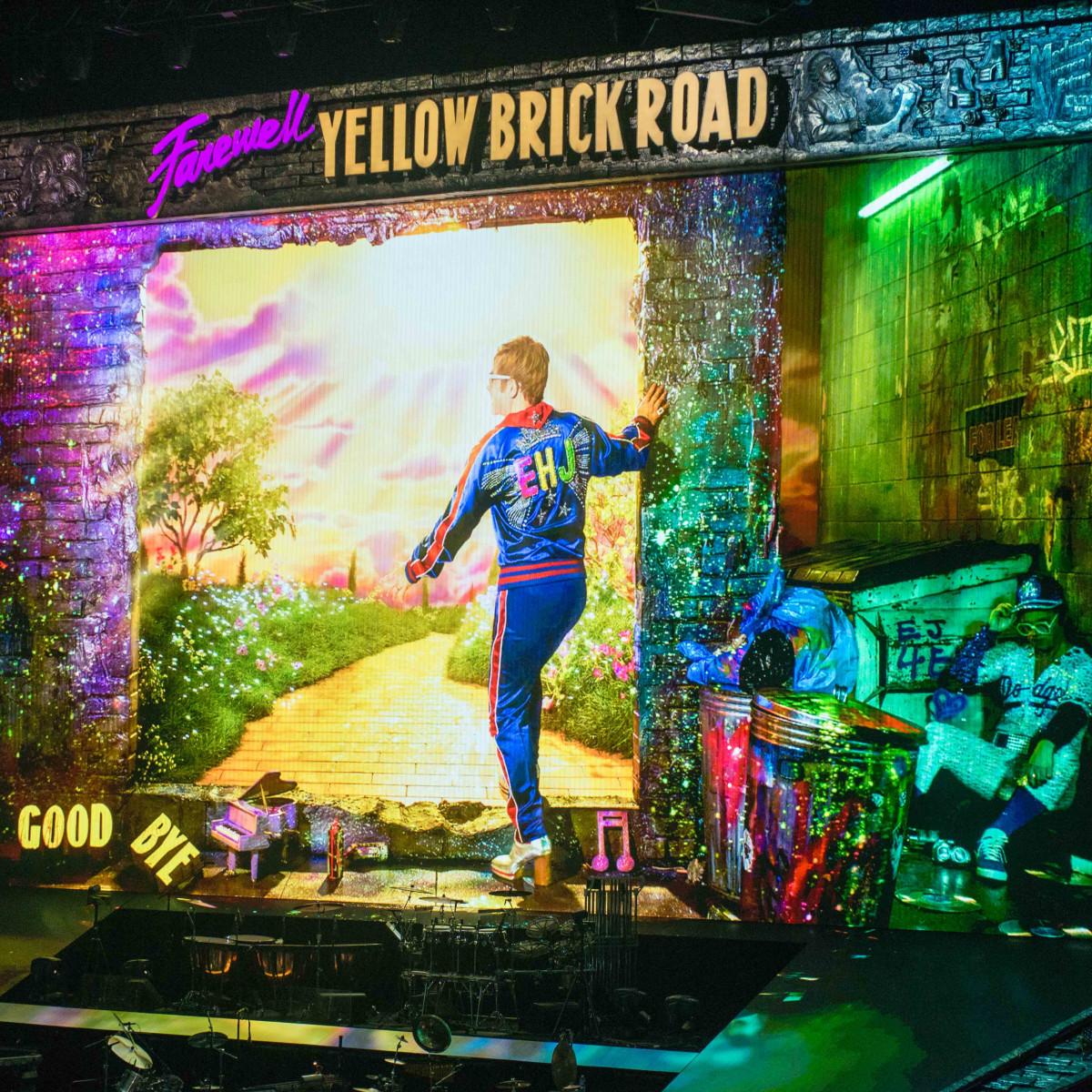 Sir Elton John dazzles Toyota Center crowd at triumphant farewell