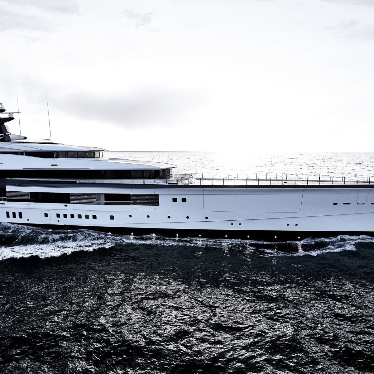 Jerry Jones buys $250M superyacht that's as long as a