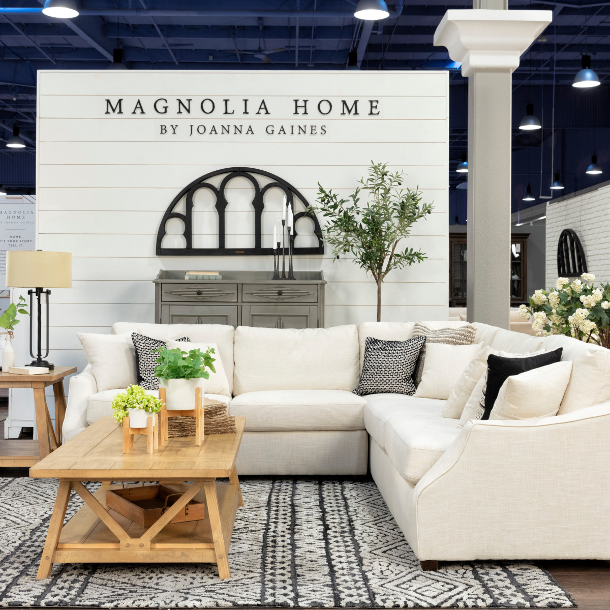 Home Decor Stores Dallas Tx: West Coast Home Store Greets DFW With Special Treat From