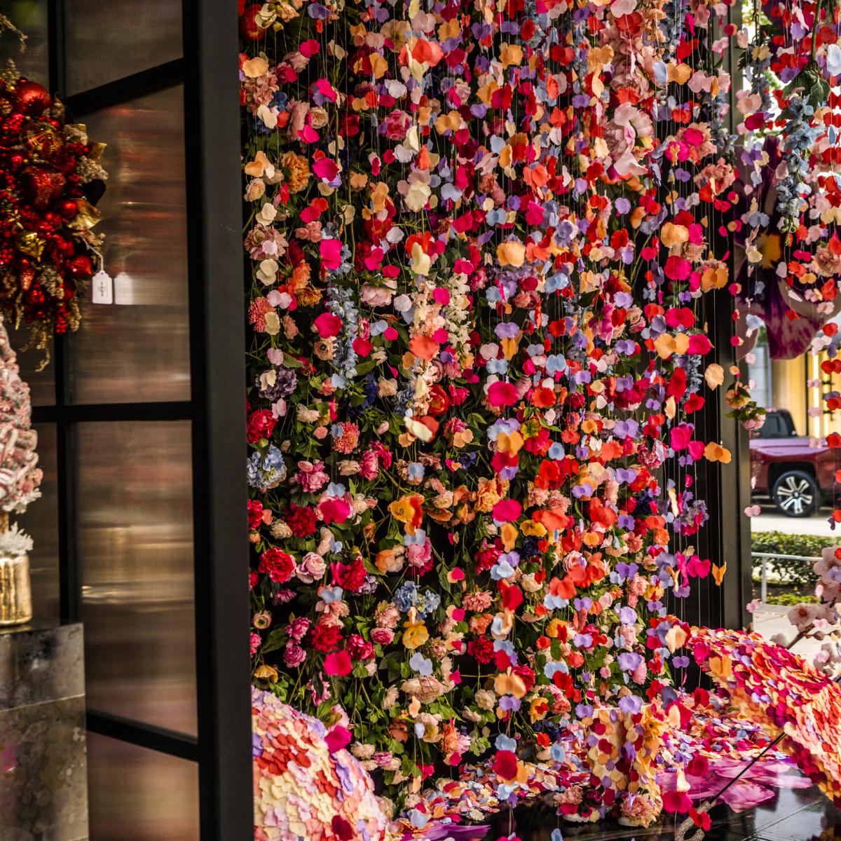Houston Oaks: Celebrated Texas Events Guru Unveils Fab River Oaks Floral