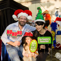 News, CM Holiday Pop-Up Shop, Dec. 2015, Scott Newman, Mia Newman (child), Carol Newman