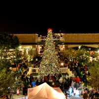 LaCenterra at Cinco Ranch presents 9th annual Tree Lighting Celebration