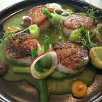 Xochi scallops mole verde