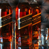 Johnnie_Walker_Black_1