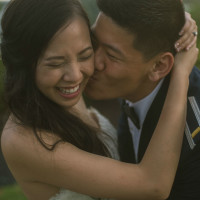 Pauline and Dayle Chang kiss